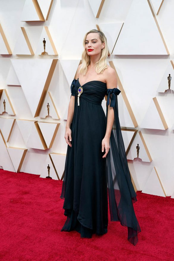 And the Oscar goes to: Vintage Dress!